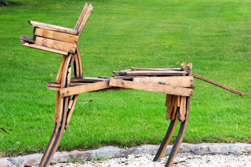 Artwork by sculpture Patrice Liron will be on display at Château Latour-Martillac at summer long